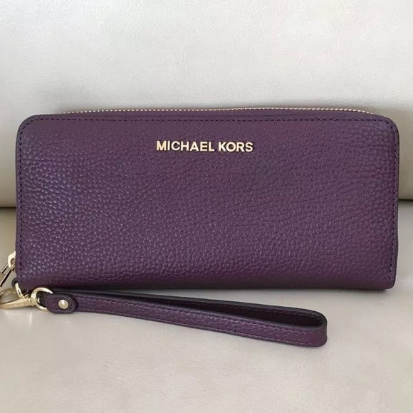 fc55461b9f81 Michael Kors Bags | Jet Set Continental Travel Wallet | Poshmark